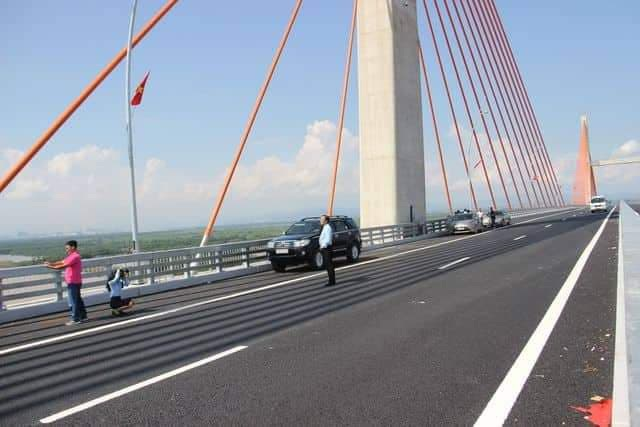 Cấm phương tiện lưu thông qua cầu Bạch Đằng khi bão số 3 đổ bộ - 1