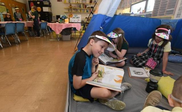 Mỹ: Cô giáo biến lớp thành trại hè giúp học sinh thích thú học tập hơn - 3