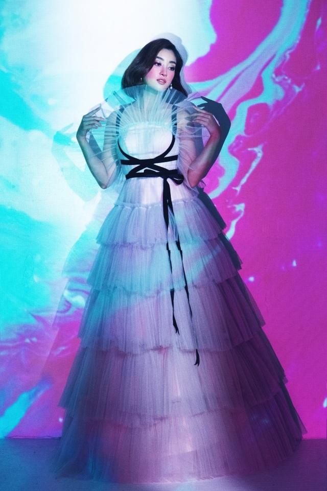 NTK Lê Ngọc Lâm tiết lộ cá tính trái ngược giữa Hoa hậu Đỗ Mỹ Linh, Tiểu Vy - 15
