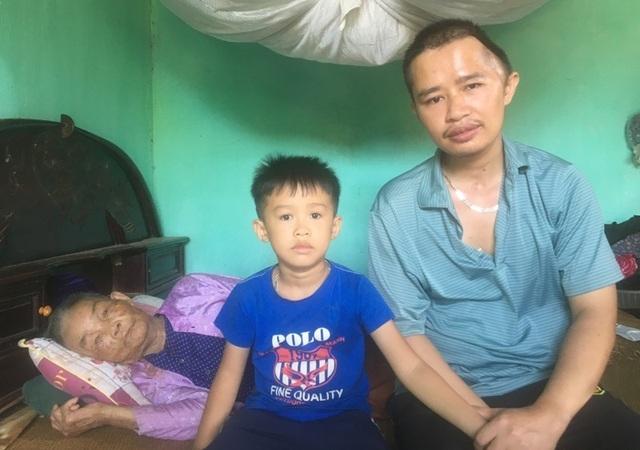 Cha mẹ nghèo bất lực nhìn con quặt quẹo vì 2 lần tai nạn giao thông hút chết - 1