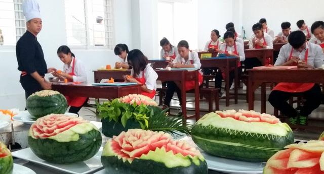 Đào tạo cao đẳng nghề đầu bếp, lễ tân... theo chuẩn của CHLB Đức - 1