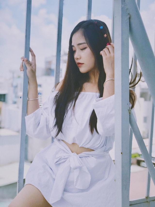 Nghi vấn sửa mặt của hiện tượng áo dài trắng 18 tuổi - 6