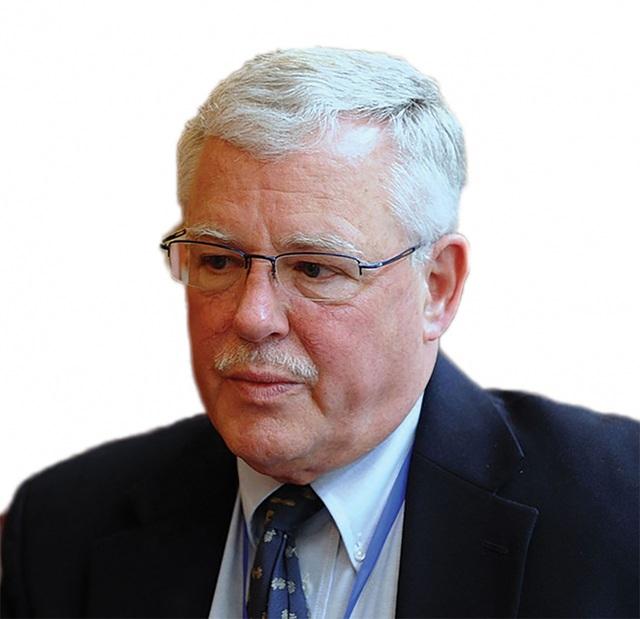 Giáo sư Carl Thayer: Trung Quốc đã vi phạm luật pháp quốc tế có chủ đích - 1
