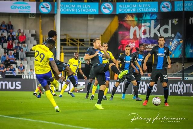 Những khoảnh khắc Sint Truidense thua đậm Club Brugge trong ngày Công Phượng ra mắt - 10