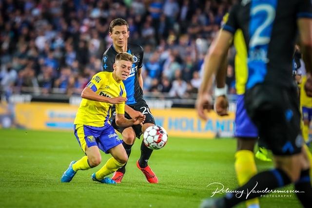 Những khoảnh khắc Sint Truidense thua đậm Club Brugge trong ngày Công Phượng ra mắt - 12