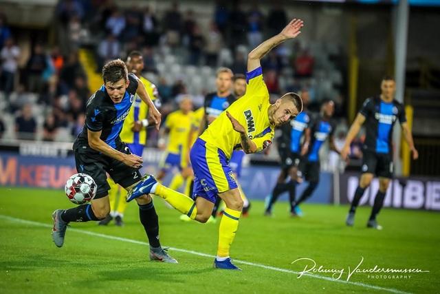 Những khoảnh khắc Sint Truidense thua đậm Club Brugge trong ngày Công Phượng ra mắt - 9