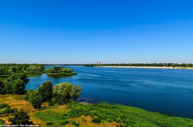 Sông Hồng nằm trong những tour du lịch đường sông tuyệt vời nhất thế giới - 6