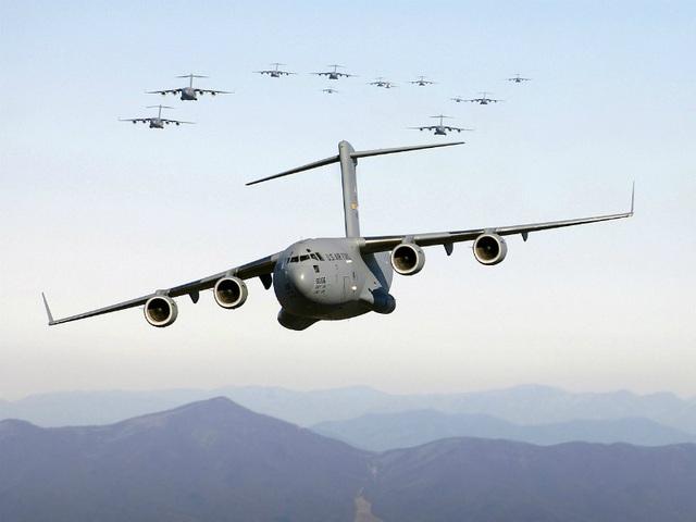 Điểm danh 10 máy bay quân sự đắt giá nhất thế giới - 4