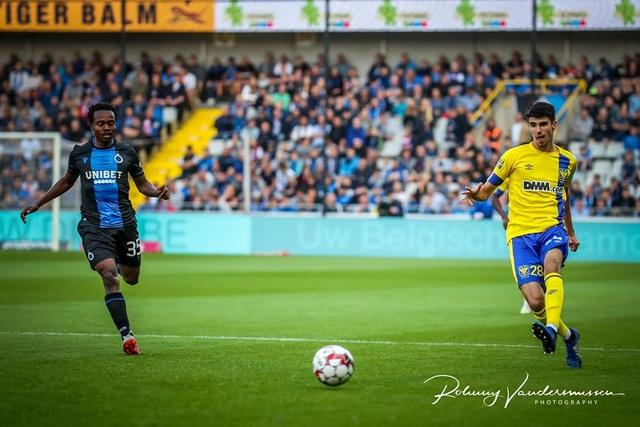 Những khoảnh khắc Sint Truidense thua đậm Club Brugge trong ngày Công Phượng ra mắt - 14