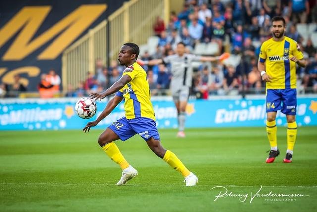 Những khoảnh khắc Sint Truidense thua đậm Club Brugge trong ngày Công Phượng ra mắt - 17