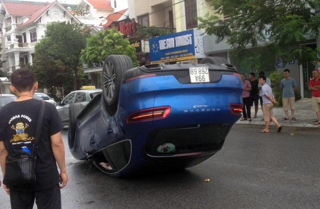 Phơi bụng trong bão, Porsche Macan S lộ biển số trùng Toyota Vios - 1