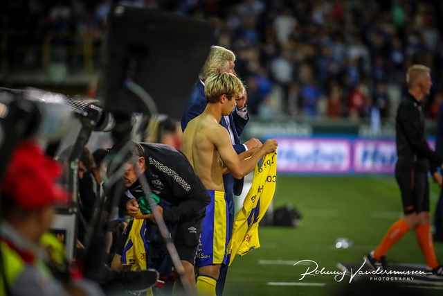 Những khoảnh khắc Sint Truidense thua đậm Club Brugge trong ngày Công Phượng ra mắt - 15