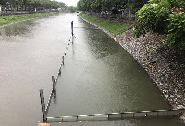 Khu thí nghiệm công nghệ Nhật làm sạch sông Tô Lịch lại chìm trong nước - 3