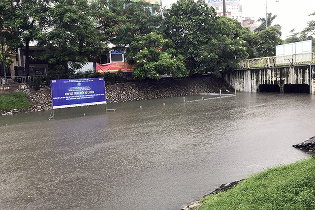 Khu thí nghiệm công nghệ Nhật làm sạch sông Tô Lịch lại chìm trong nước - 4