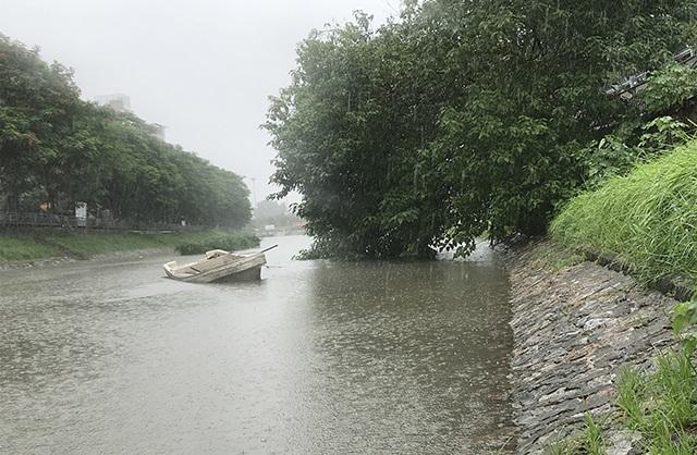 Khu thí nghiệm công nghệ Nhật làm sạch sông Tô Lịch lại chìm trong nước - 7