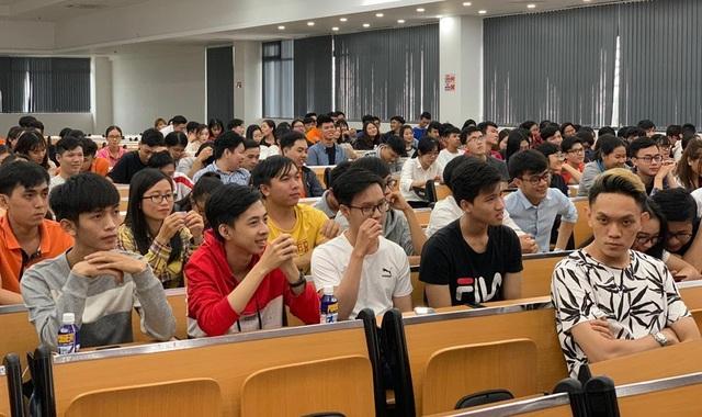 Cần Thơ: Sôi nổi ngày hội kết nối sinh viên và doanh nghiệp - 1
