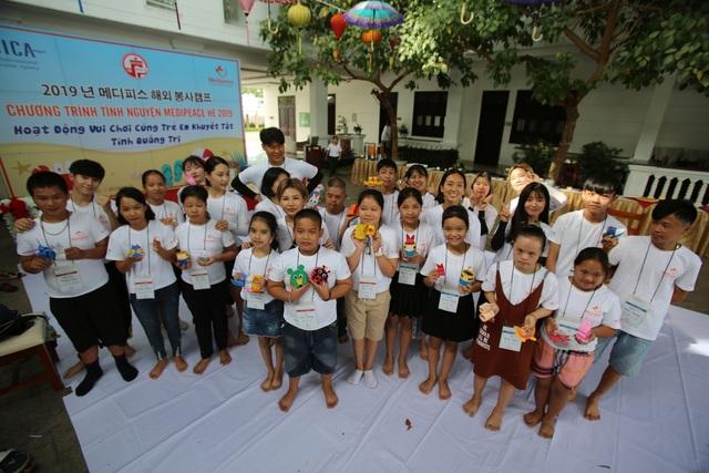 Sinh viên Hàn Quốc giao lưu cùng trẻ em khuyết tật Quảng Trị - 1