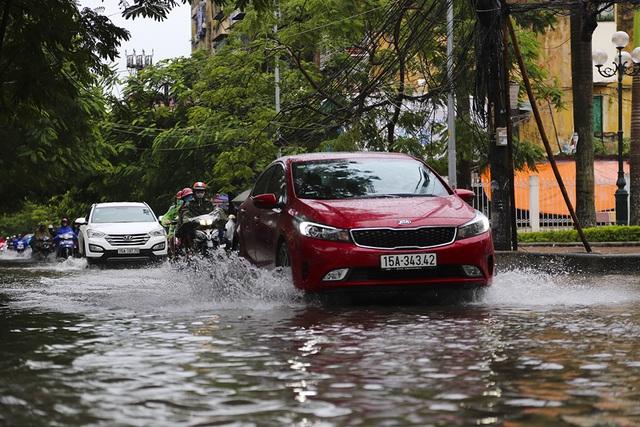 Hải Phòng:  Phố phường ngổn ngang sau bão số 3 - 5