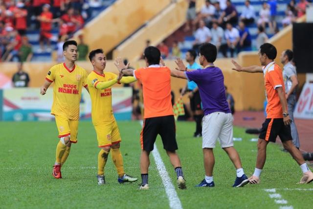 HA Gia Lai đánh rơi chiến thắng trước Nam Định ở phút cuối - 4