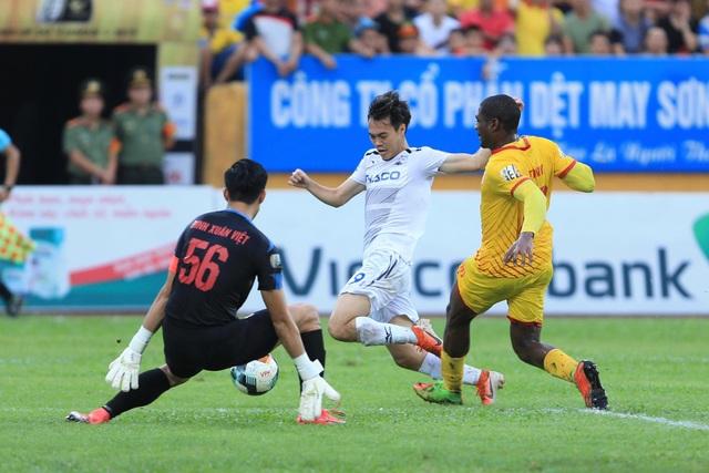 HA Gia Lai đánh rơi chiến thắng trước Nam Định ở phút cuối - 5