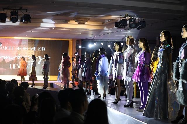 Ngắm thời trang độc đáo do chính học sinh Hà Nội thiết kế và trình diễn - 1