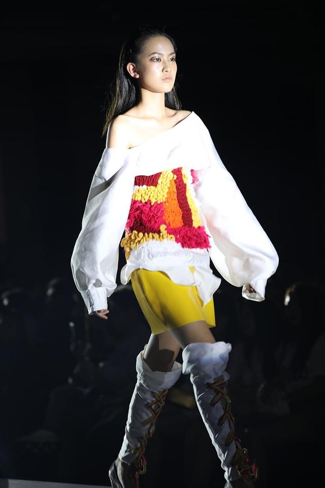 Ngắm thời trang độc đáo do chính học sinh Hà Nội thiết kế và trình diễn - 3