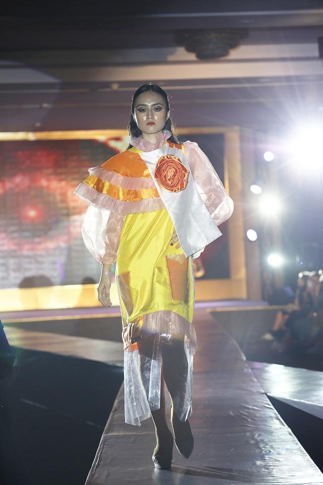 Ngắm thời trang độc đáo do chính học sinh Hà Nội thiết kế và trình diễn - 5