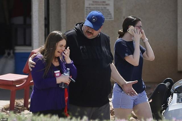 Xả súng tại siêu thị ở Mỹ, ít nhất 20 người chết - 5