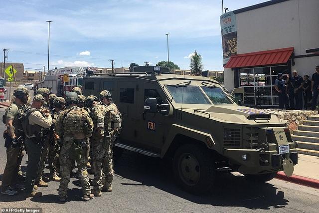 Xả súng tại siêu thị ở Mỹ, ít nhất 20 người chết - 3