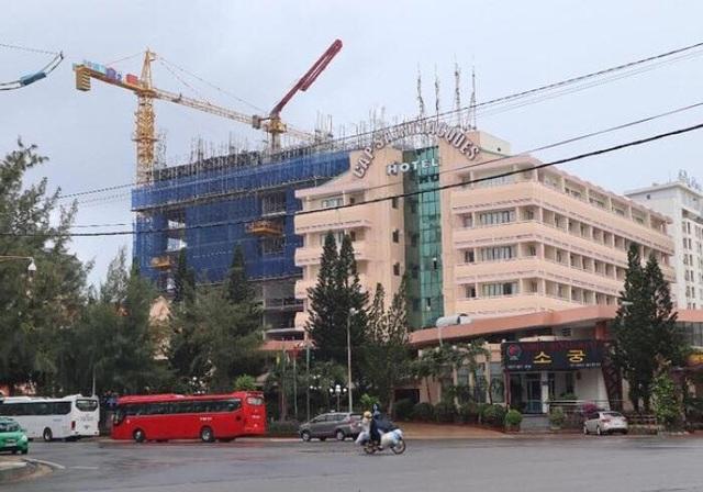 Xử phạt gần 1 tỷ đồng công trình xây không phép, vượt 6 tầng  - 2