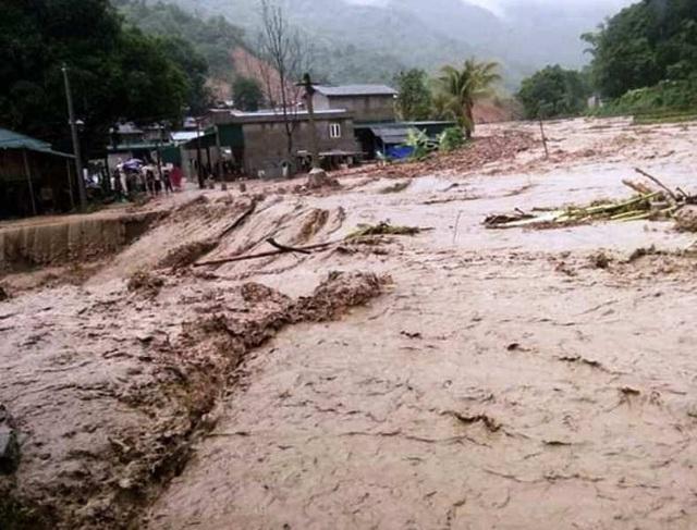 Cận cảnh huyện Mường Lát ngập ngụa trong bùn lũ, bị cô lập vì sạt lở - 14