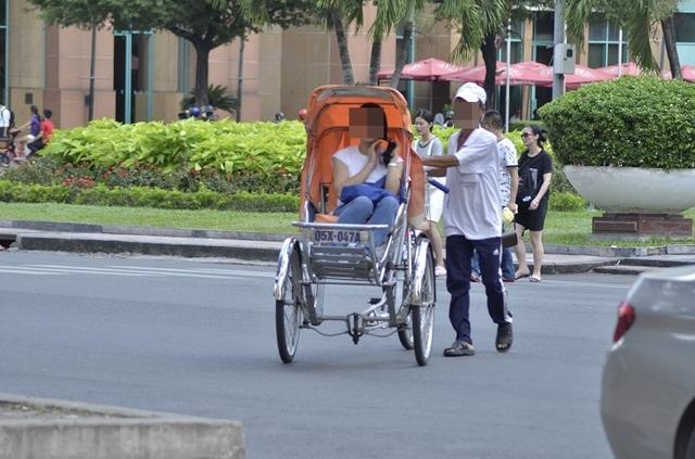 Xử lý nghiêm vụ người lái xích lô chặt chém du khách Nhật 2,9 triệu đồng - 1