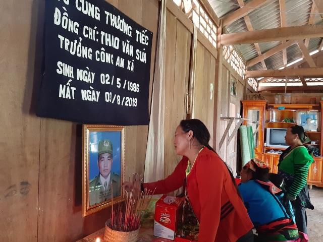 Bộ Trưởng Tô Lâm gửi thư tới gia đình Trưởng Công an xã tử vong khi đi kiểm tra mưa lũ - 1