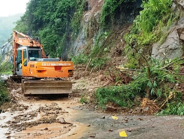Cận cảnh huyện Mường Lát ngập ngụa trong bùn lũ, bị cô lập vì sạt lở - 7