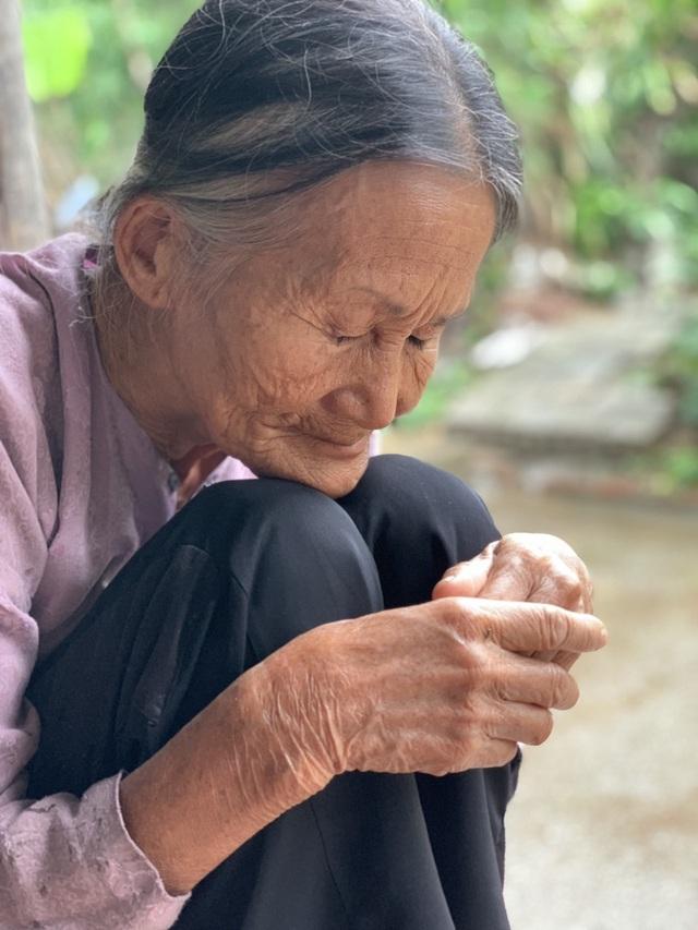 Bạn đọc Dân trí giúp đỡ 2 cụ bà sống trong đói khổ hơn 161 triệu đồng - 2