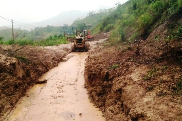 Cận cảnh huyện Mường Lát ngập ngụa trong bùn lũ, bị cô lập vì sạt lở - 11