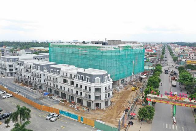 Cận cảnh tiến độ xây dựng của Vincom Plaza Dĩ An đầu tiên của Bình Dương - 1
