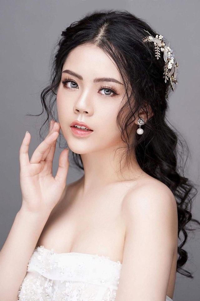 Dàn hot girl ĐH Ngoại thương xinh như hoa hậu Lương Thùy Linh - 11