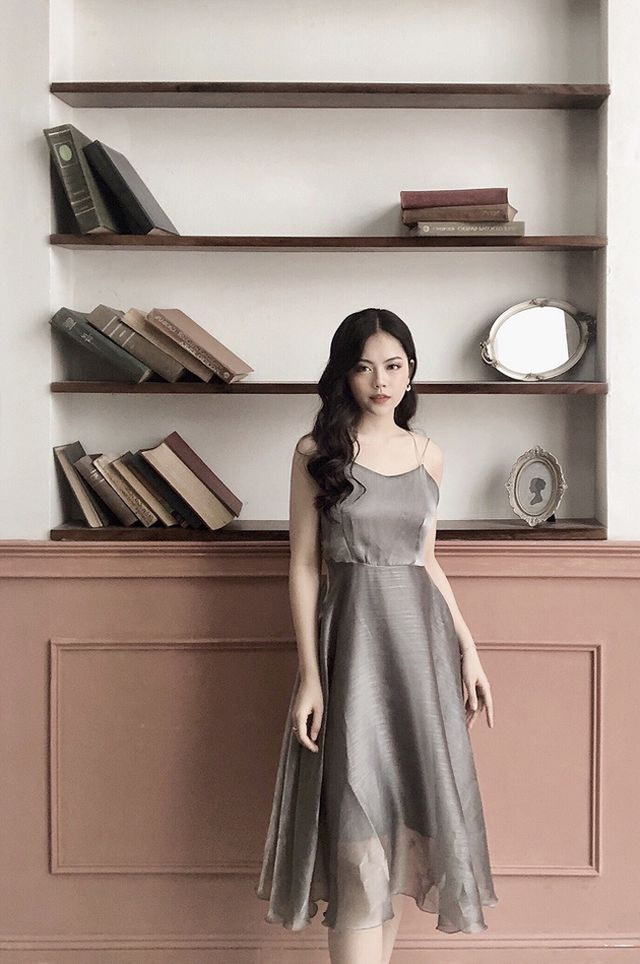 Dàn hot girl ĐH Ngoại thương xinh như hoa hậu Lương Thùy Linh - 13