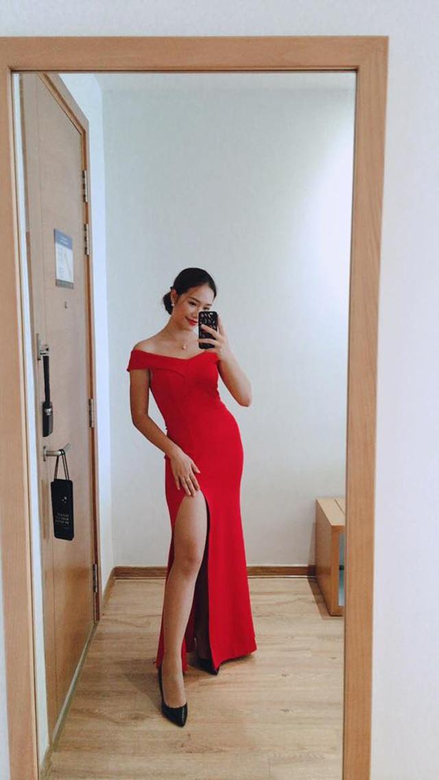 Dàn hot girl ĐH Ngoại thương xinh như hoa hậu Lương Thùy Linh - 18