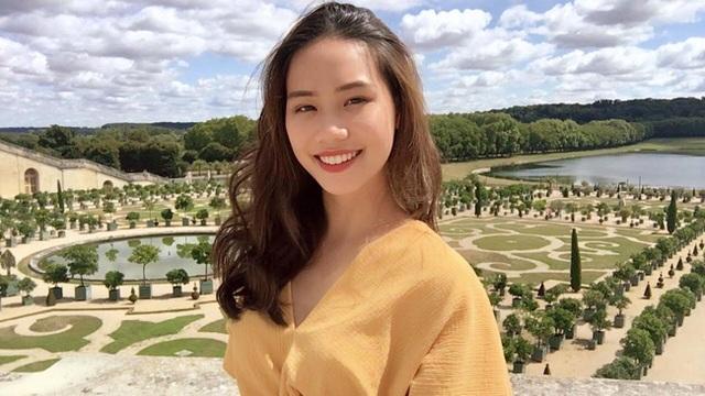 Dàn hot girl ĐH Ngoại thương xinh như hoa hậu Lương Thùy Linh - 19