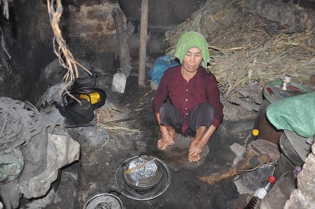 Bạn đọc Dân trí giúp đỡ 2 cụ bà sống trong đói khổ hơn 161 triệu đồng - 1