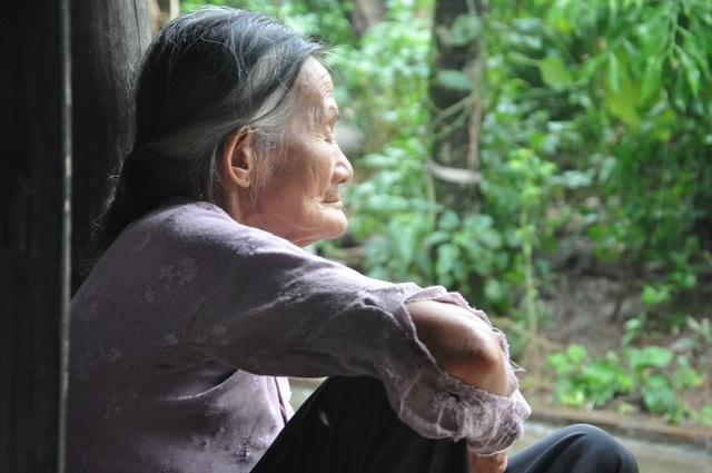 Quặn lòng 2 bà cụ nuôi nhau trong cảnh đói nghèo, không ai nương tựa - 2