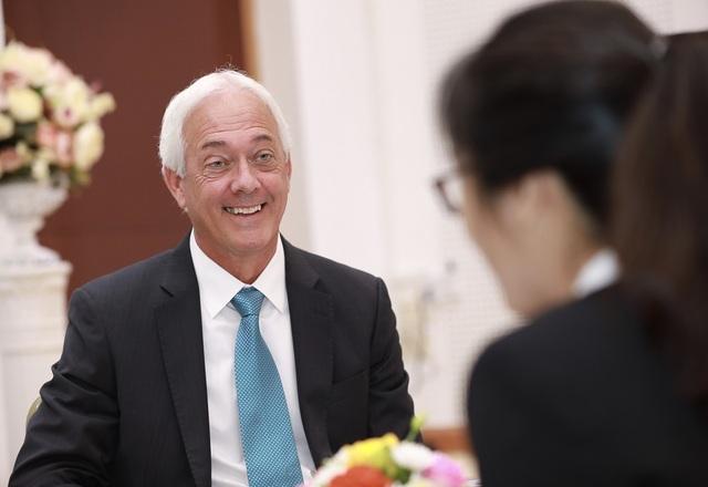 Giáo sư Mỹ lý giải vì sao bác sĩ Việt không cần học từ thấp lên cao - 1