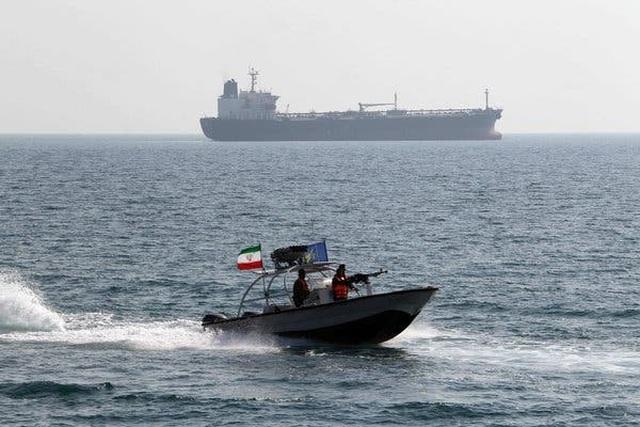 Iran bắt giữ tàu dầu trên Vịnh Ba Tư giữa lúc căng thẳng - 1