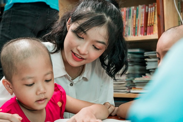 Nụ cười tỏa nắng Á hậu 1 Nguyễn Hà Kiều Loan - 7