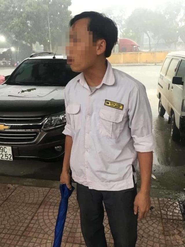 Hà Nội: Tài xế taxi đánh 3 cô gái vì... không chịu đi xe - 1