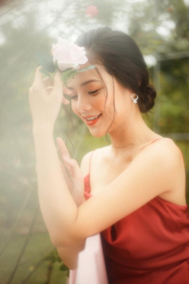"""Nàng thơ Hà thành """"đốn tim"""" người đối diện từ ánh nhìn đầu tiên - 11"""