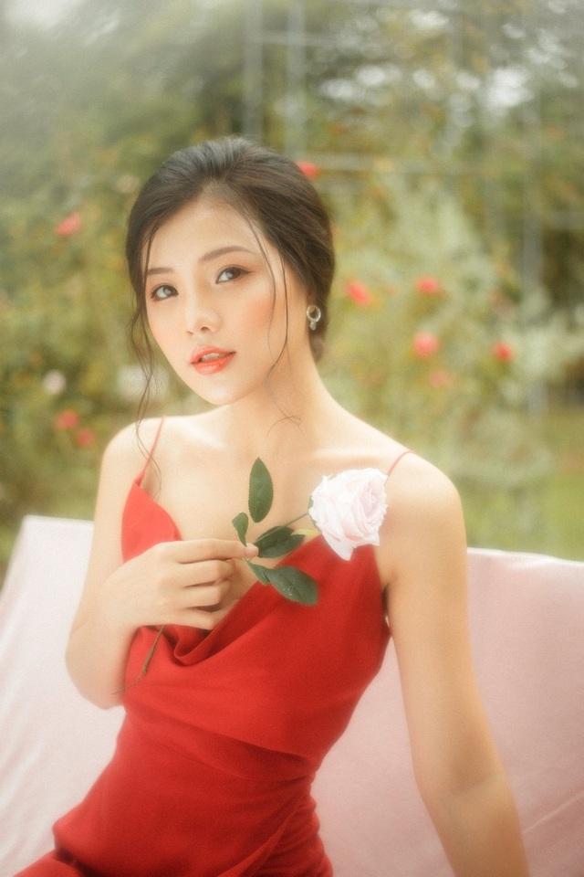 """Nàng thơ Hà thành """"đốn tim"""" người đối diện từ ánh nhìn đầu tiên - 7"""
