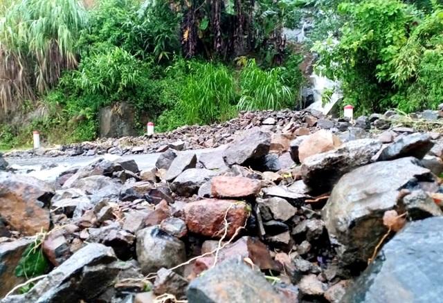 Cận cảnh huyện Mường Lát ngập ngụa trong bùn lũ, bị cô lập vì sạt lở - 6